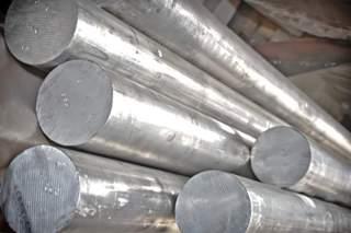 Дюралюминиевый круг на порядок прочнее простого алюминиевого