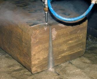 Гидроабразивная резка считается одной из самых мягких и щадящих для материала