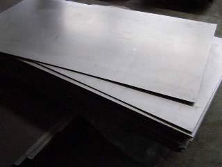 Титановый лист различается и по плоскостности