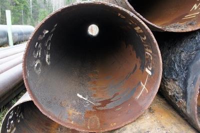 Трубы б/у из-под нефтепровода можно отдавать в новые руки только после тщательной очистки