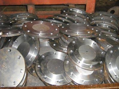Производство фланцевых заглушек регулируется российскими и международными стандартами