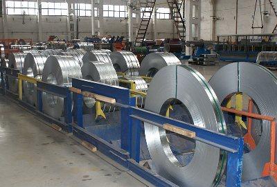 На штрипс могут резаться стальные листы или изготовленные из любого другого материала